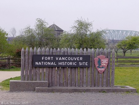 fort_vancouver_national_historic_site_sign_2005