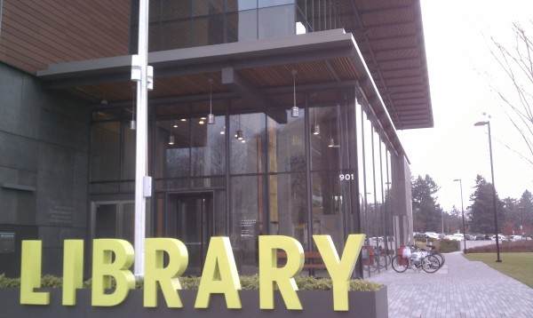 Vancouver_WA_library_with_sign